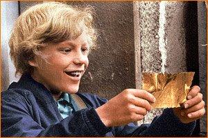 Charlie_bucket_26_golden_ticket